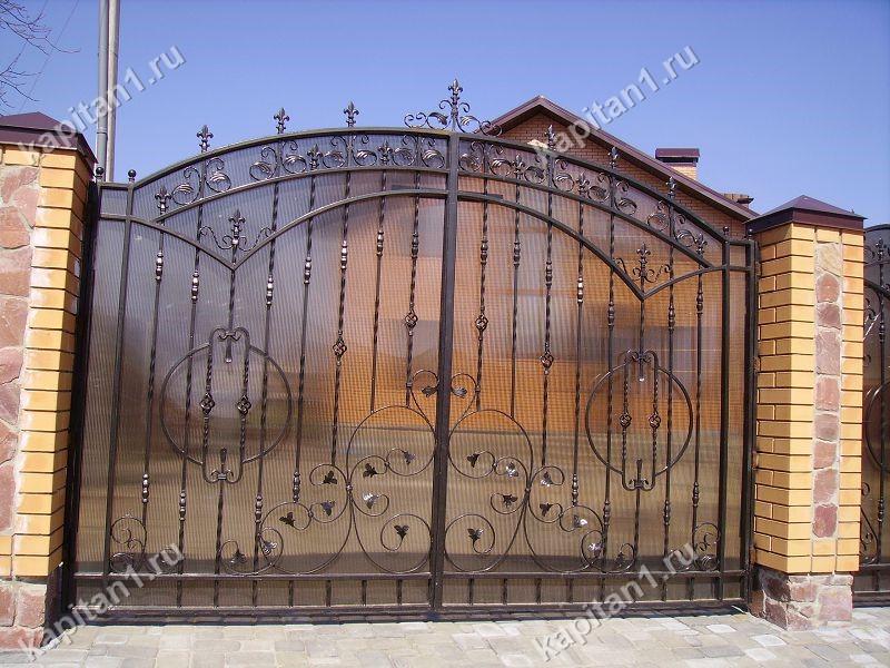 11f77f5676c5 Ворота кованые с поликарбонатом в Подольске